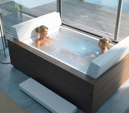 les baignoires baln o de duravit d co salle de bains. Black Bedroom Furniture Sets. Home Design Ideas