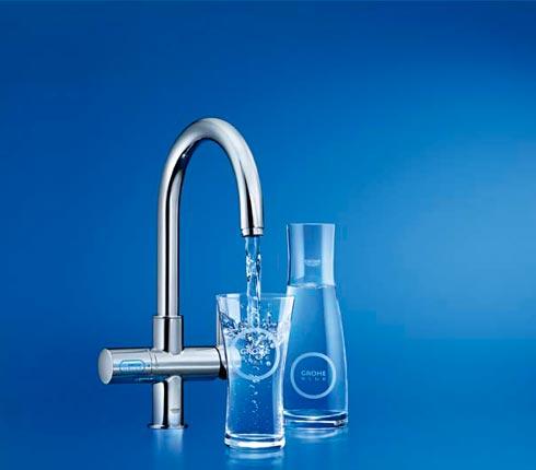 Eau gazeuse depuis le robinet grohe blue d co salle de for Robinet de salle de bain grohe