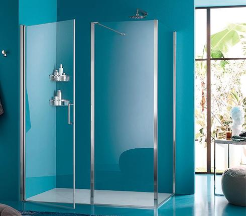 Une douche color e dans la salle de bains d co salle de Baignoire coloree