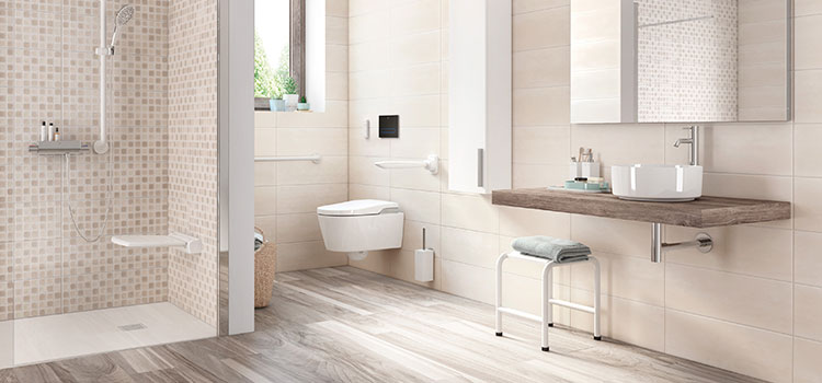 Une salle de bains pour PMR