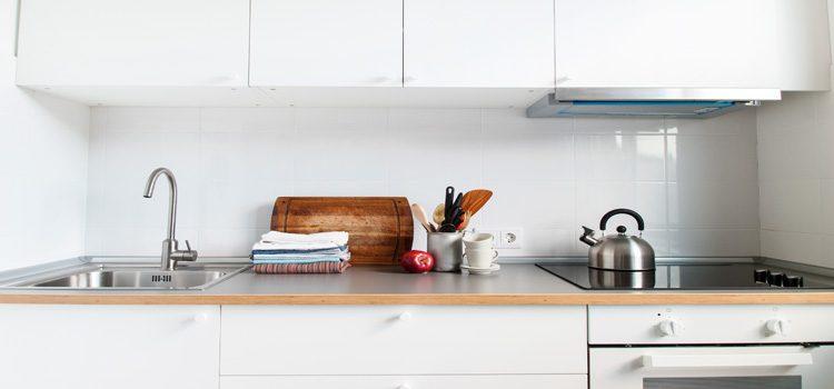 petite cuisine fonctionnelle astuces blog d co salle de bains. Black Bedroom Furniture Sets. Home Design Ideas