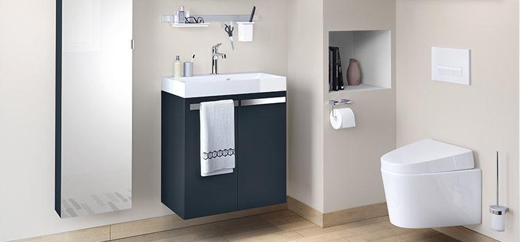 Vasque lave-mains design dans un espace wc contemporain