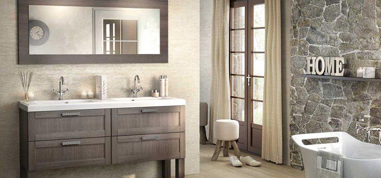 Salle de bain façon campagne chic avec mobilier familial