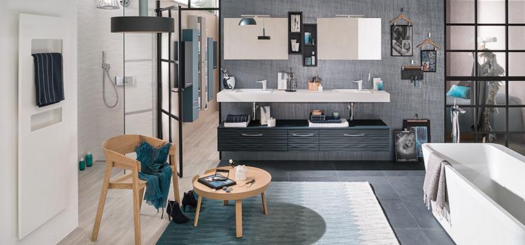 Les accessoires aident à modifier la décoration de la salle de bains à moindre coût.