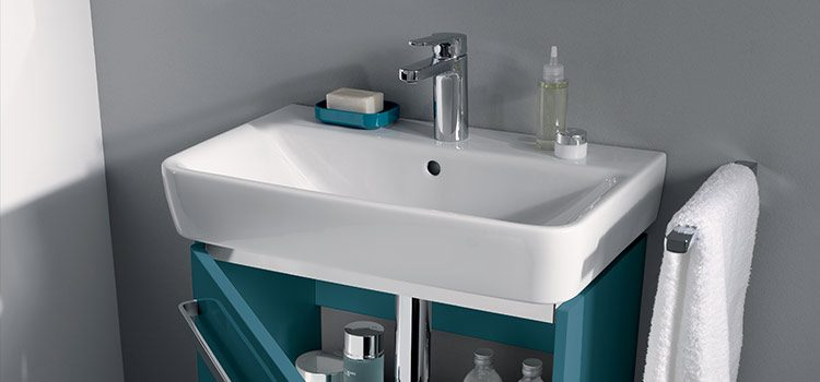 Large vasque de salle de bains en céramique blanc de forme rectangulaire