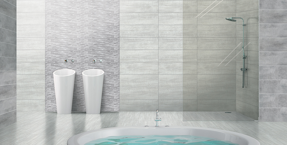 Élégant espace douche et bain avec double vasque et crédence murale