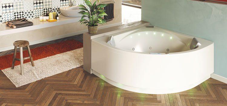 Grande baignoire jacuzzi à leds pour balnéo chez soi