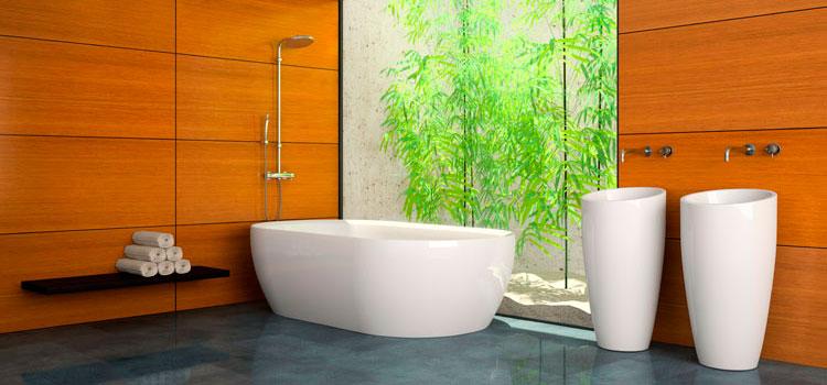 Salle de bains tendance zen avec patio et bambous