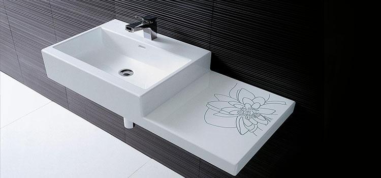 Vasque avec support ornementé