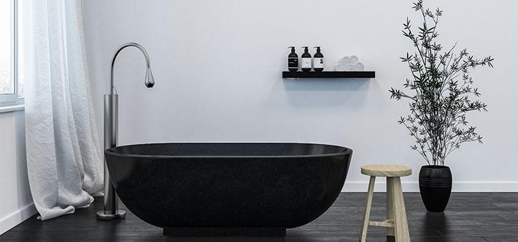 Baignoire hors sol noire noire mat avec robinet design