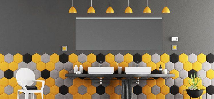 Double vasque avec crédence à carreaux jaune et noire
