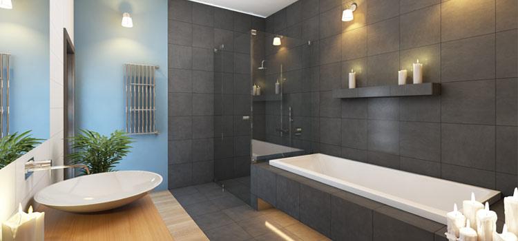Salle de bains contemporaine avec luminaires orientables