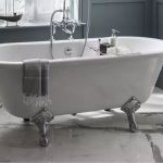 La baignoire sur pied, un modèle élégant à adopter !