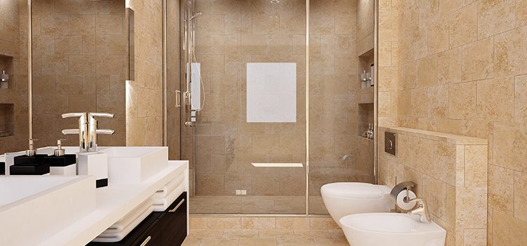 Salle de bains avec carrelage travertin