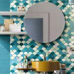 Tentez les couleurs vives dans la salle de bains !