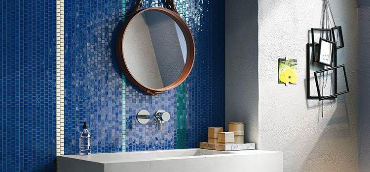 Mur bleu en lave émaillée