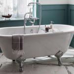 Comment créer une salle de bains rustique ?