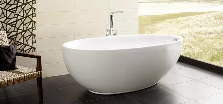 baignoire îlot de couleur de blanche