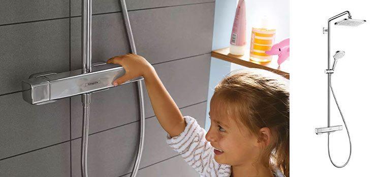 petite fille manipulant la robinetterie de la gamme Croma E