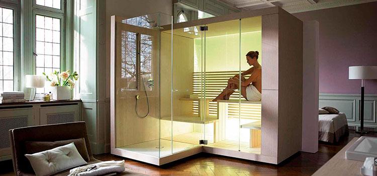 jeune femme profitant d'un moment de détente dans un spa intérieur